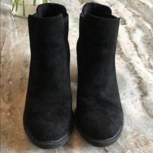 Black ankle booties suede